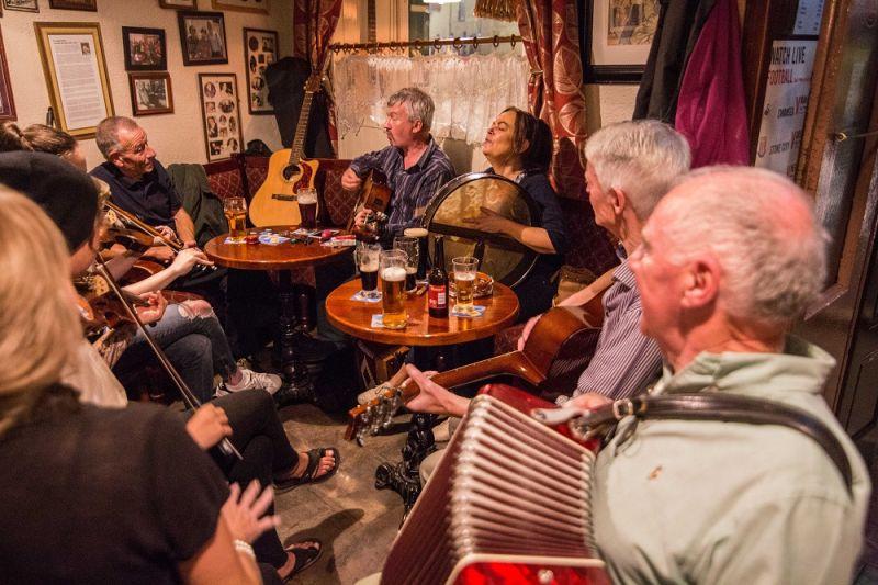 ABGESAGT: BLICKFANG: Irland – Live mit Irish Folk Band